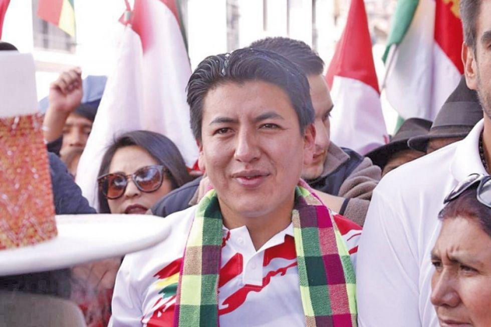 Los cívicos esperan la renuncia de Pumari que va de candidato