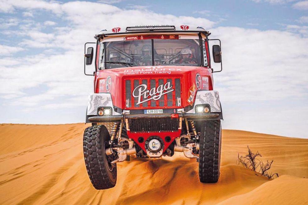 Los monstruos del Dakar ultiman detalles para la recta final de la prueba.