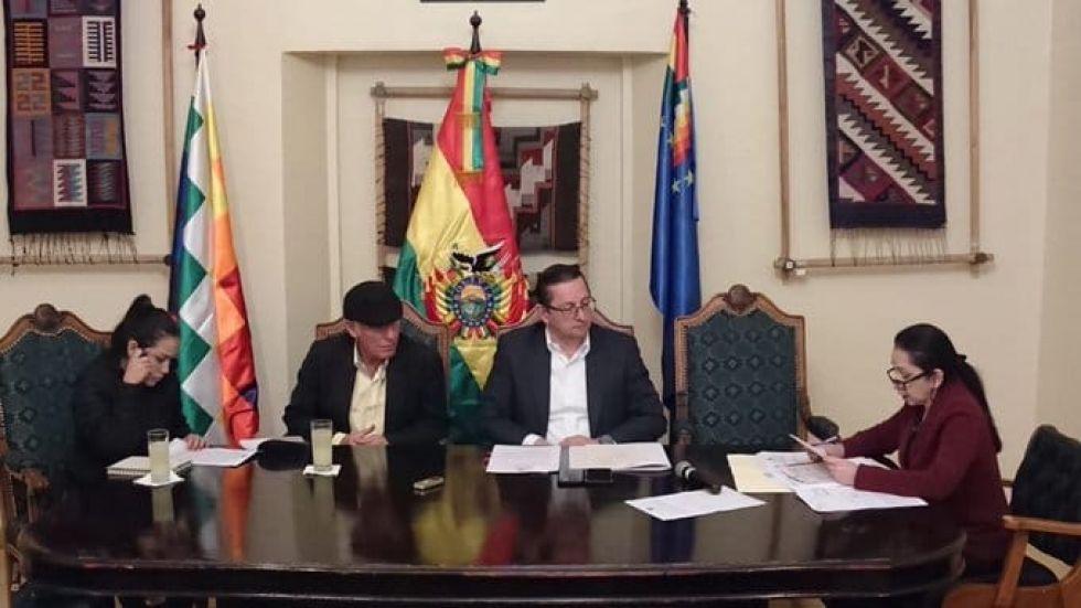 Integrantes de la Comisión de Constitución del Senado.