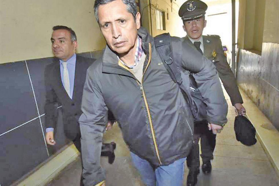 Expiloto de Morales va a la cárcel por uso indebido de influencias
