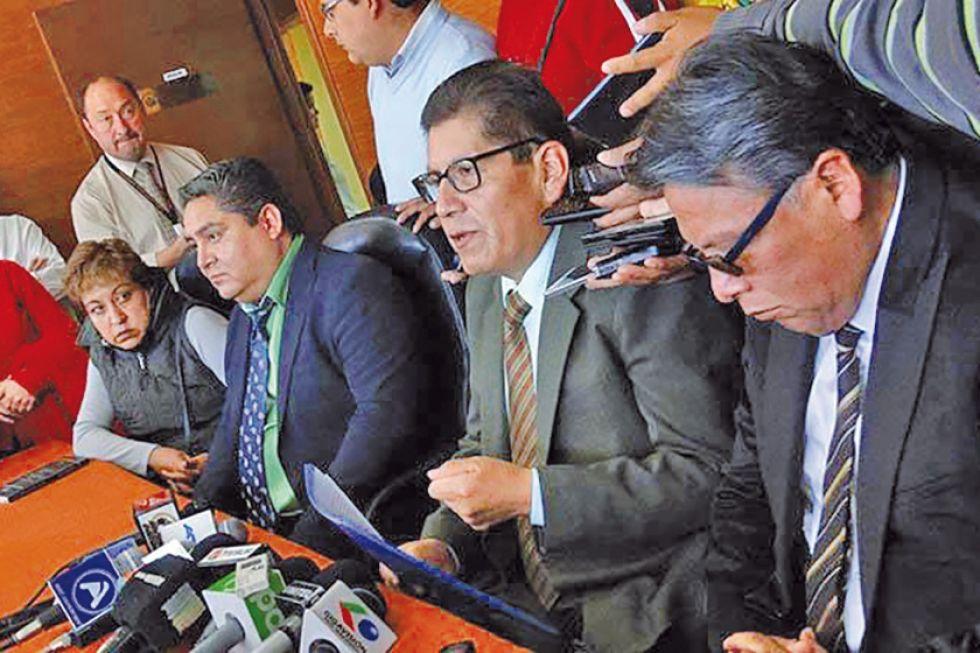Fiscalía abre indagación contra exmagistrados que avalaron reelección
