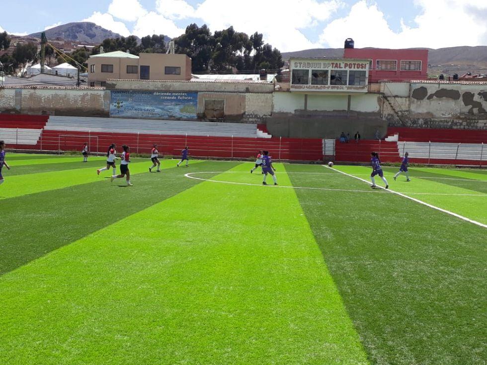 Se enfrentan en el estadio Potosí