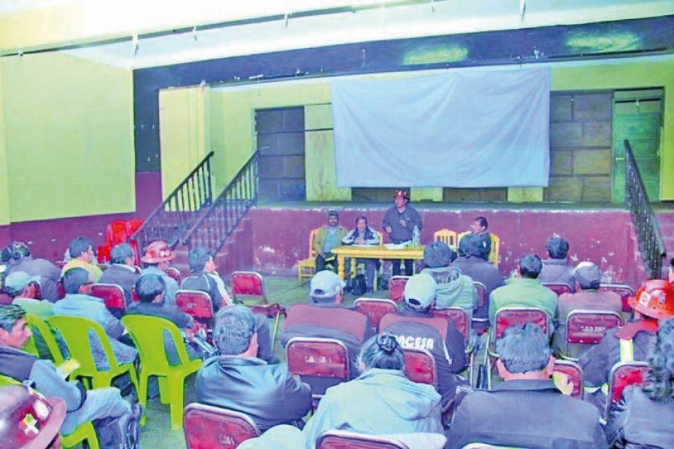 Trabajadores piden respeto a los derechos laborales