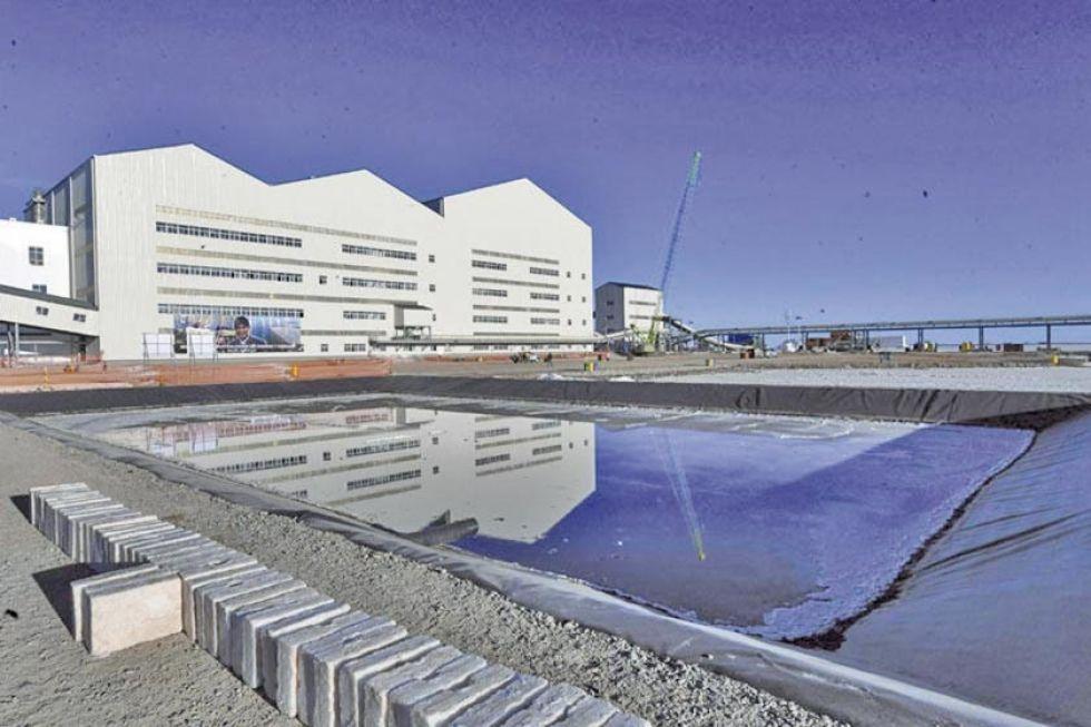 La planta de explotación de carbonato de litio en el Salar de Uyuni.