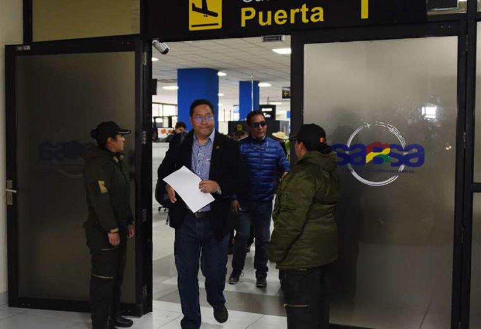Notifican a Luis Arce a su llegada a Bolivia por el caso Fondo Indígena