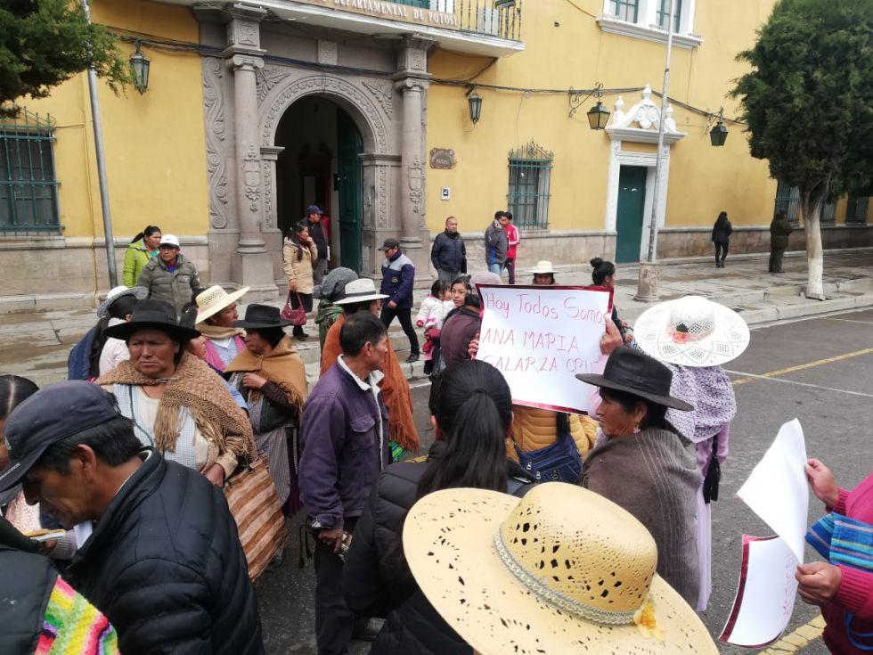 Llegaron con la protesta hasta el centro de la ciudad.