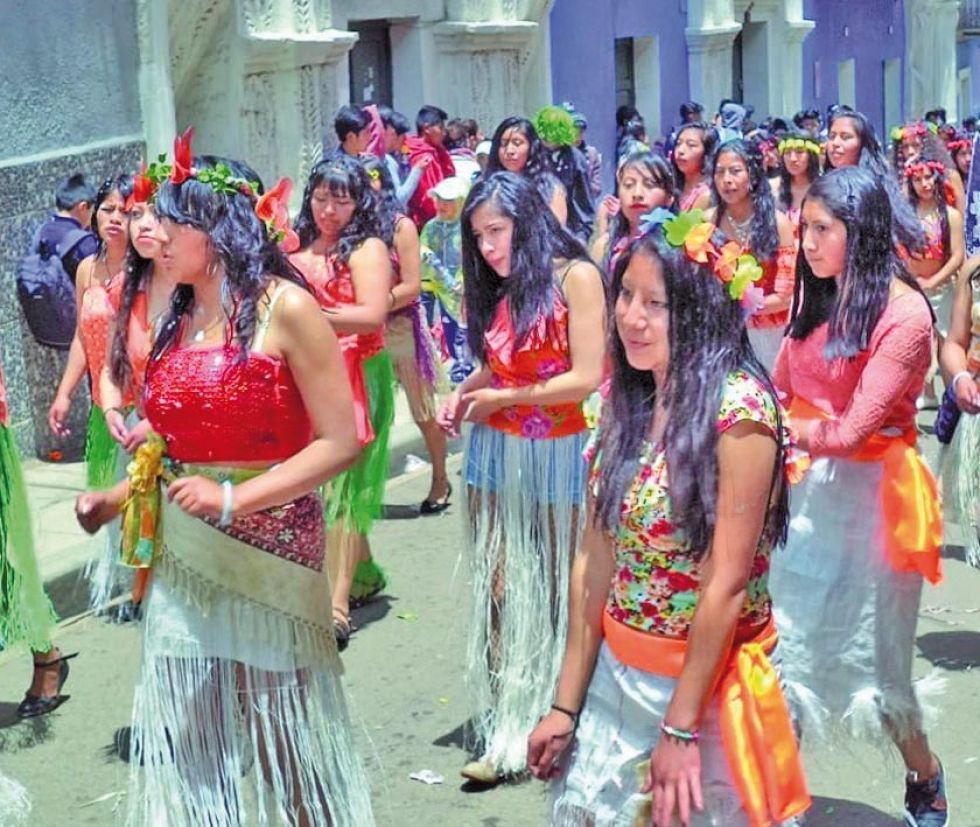 Se invita a los grupos de jóvenes a que sean parte de la fiesta.