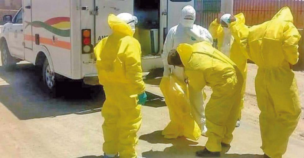 La brigada de salud acudió al sudoeste potosino a verificar la salud de los turistas.