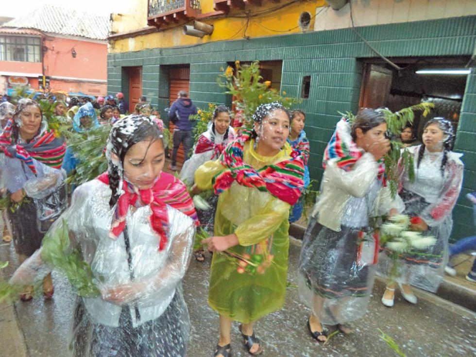 Se busca rescatar la alegría del carnaval tradicional.
