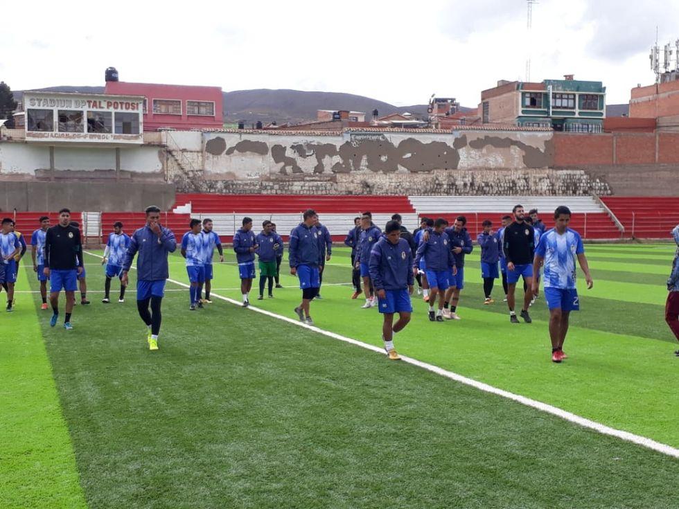 Practicaron en el Estadio Potosí.