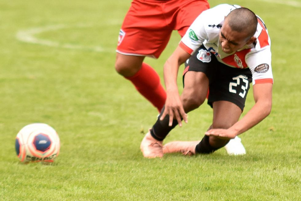 Nacional empata y cede terreno en el torneo