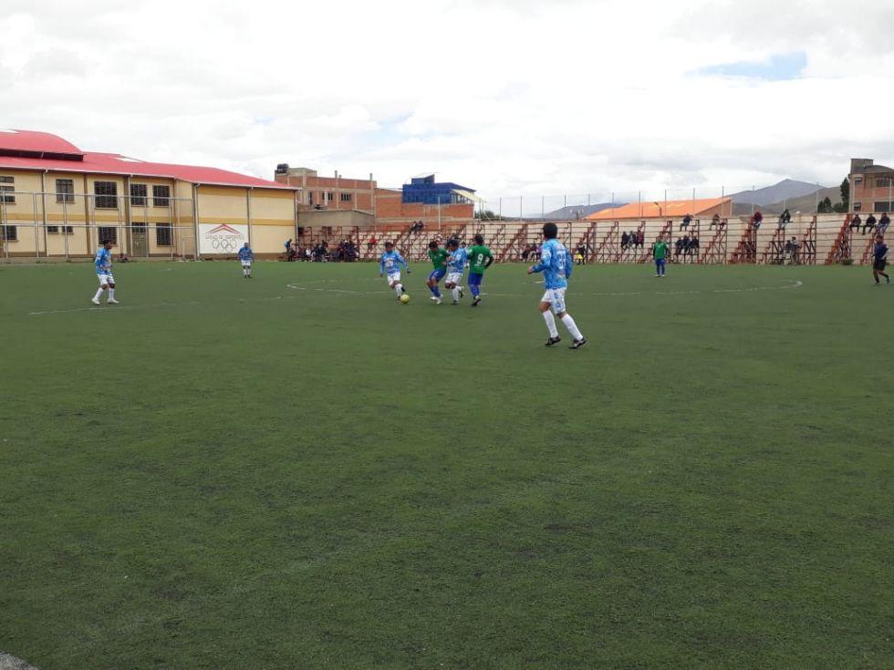 Los partidos se juegan en la cancha Las Delicias