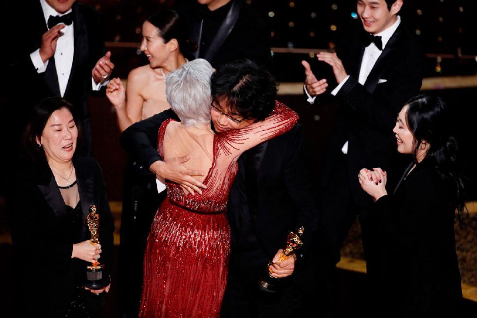 Corea del Sur hace historia al ganar Oscar a la mejor película