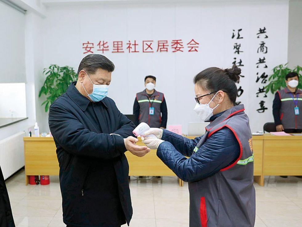PREVENCIÓN. El presidente chino, Xi Jinping, supervisa el trabajo de prevención en Beijing.