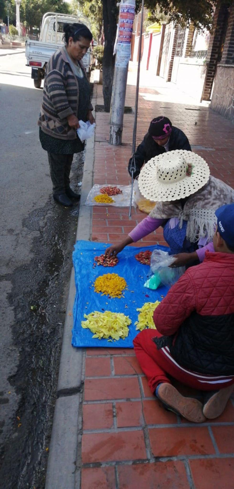 Venta de flores en las calles potosinas.