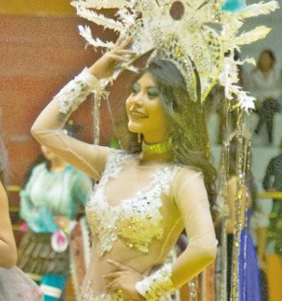 La reina del carnaval se llama Jhilary  Arroyo
