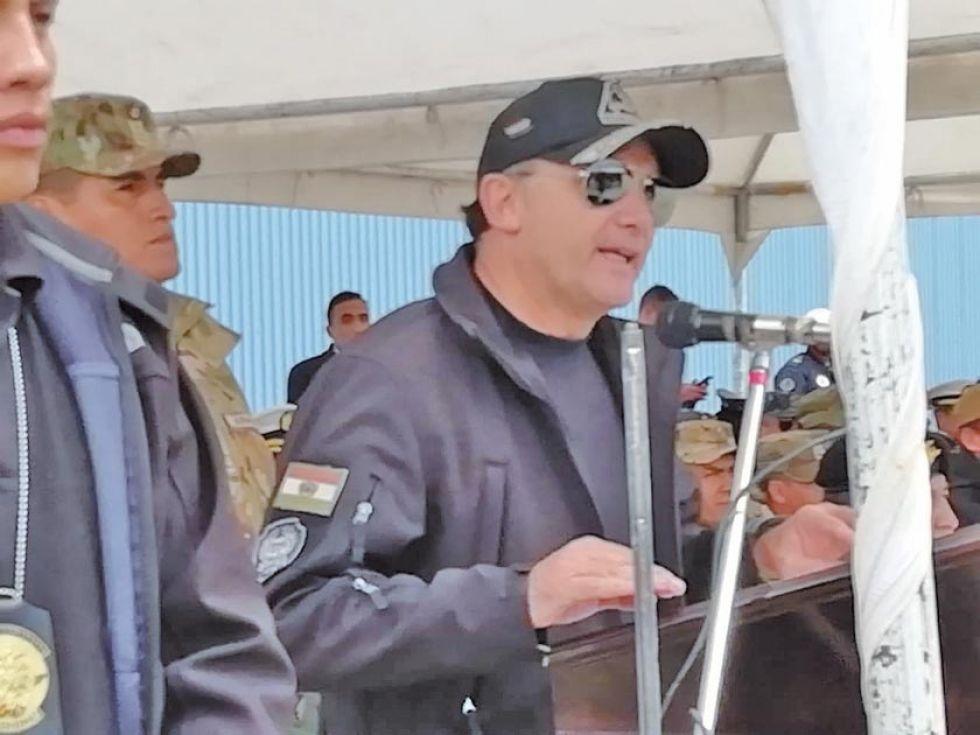El titular del Ministerio de Defensa, Fernando López.