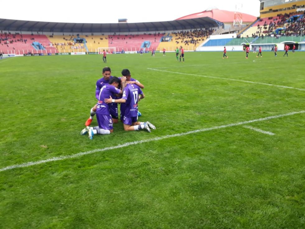 El partido se disputa en Potosí.
