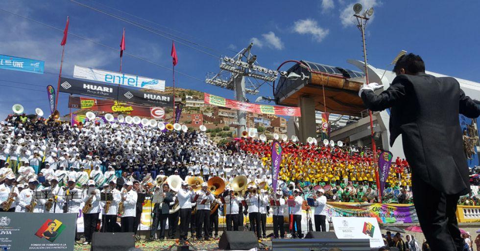 Tiembla la tierra con el sonido de bandas bolivianas