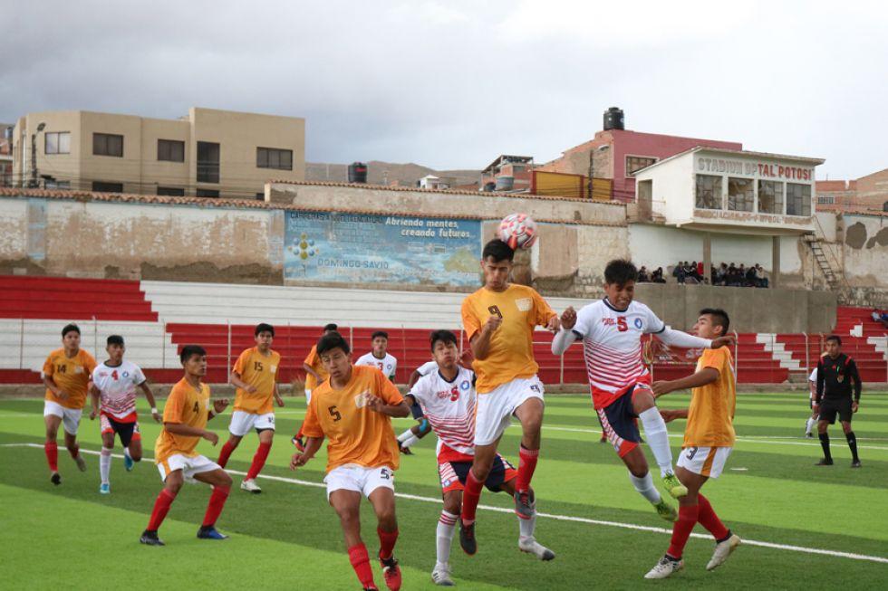 El partido de varones terminó 2-2.