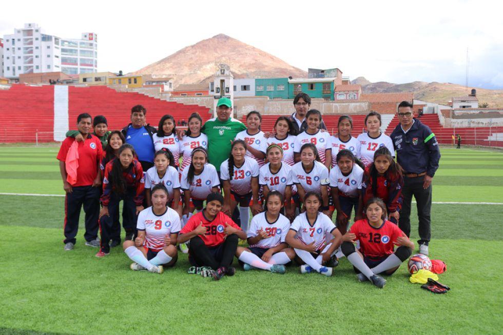 La selección potosina de damas venció 2-0 a Tarija.