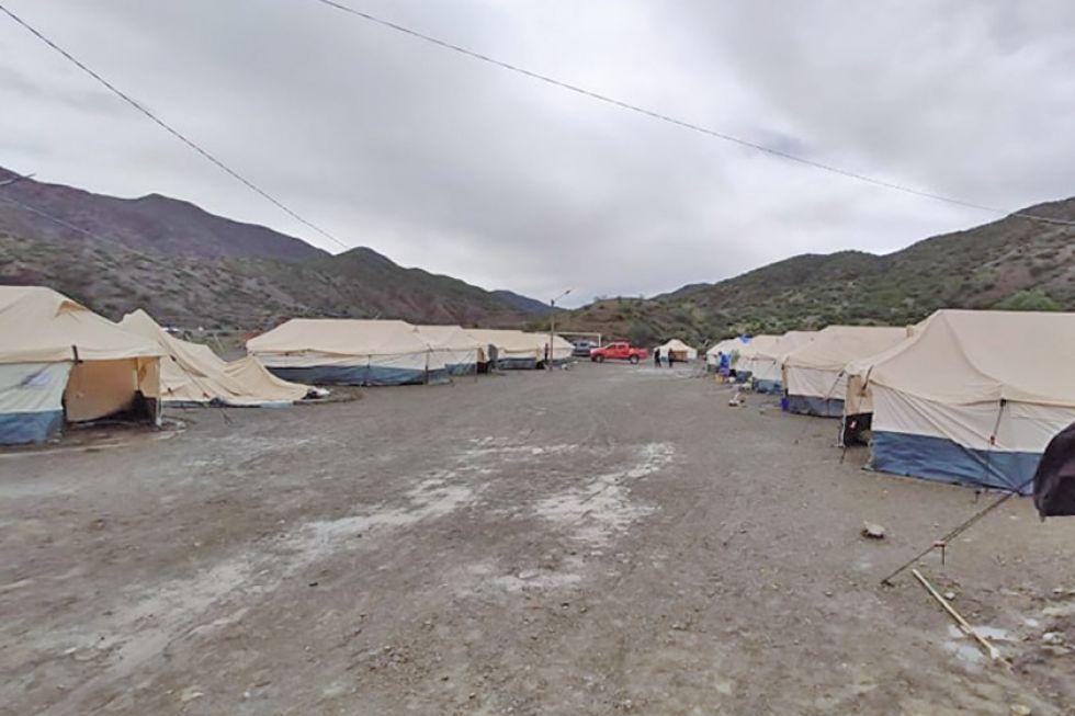 Los que perdieron sus casas en Cotagaita sufren en las carpas