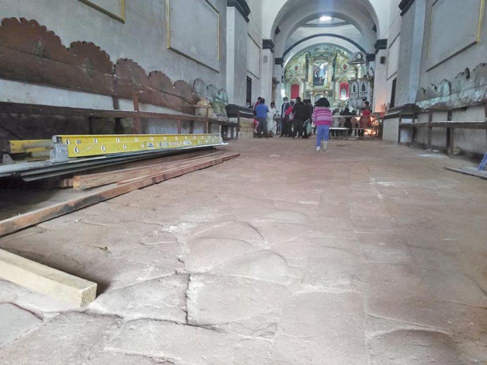 Este es el piso al ingreso del templo.