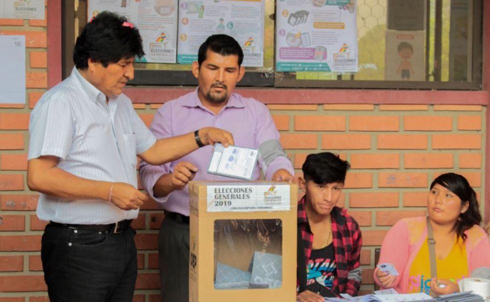 Morales sufragó, en las elecciones anuladas del 20 de octubre, en Villa 14 de Septiembre.