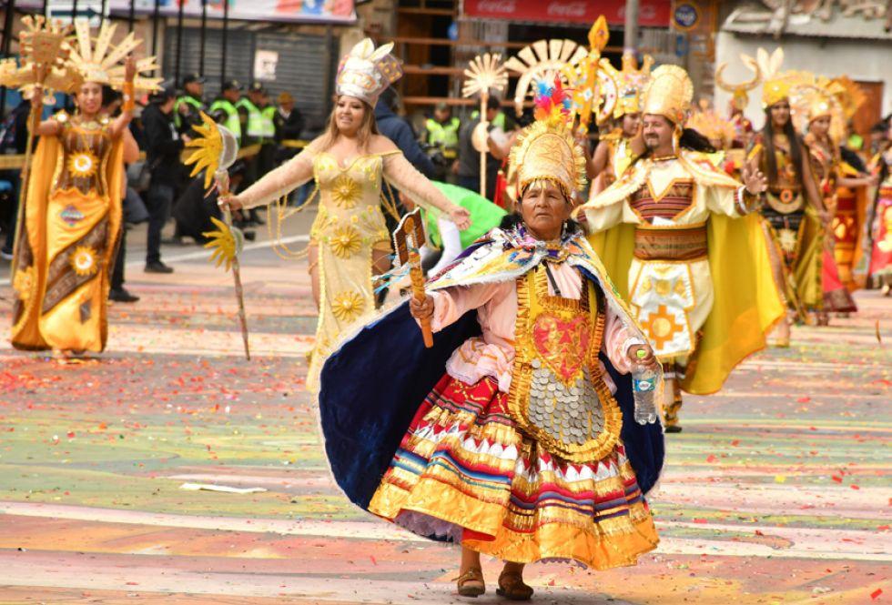 La danza de los incas, hijos del sol, en el mismo Carnaval.