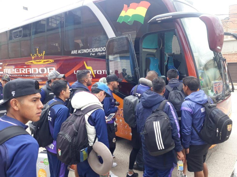 Emprenden viaje a la ciudad de La Paz