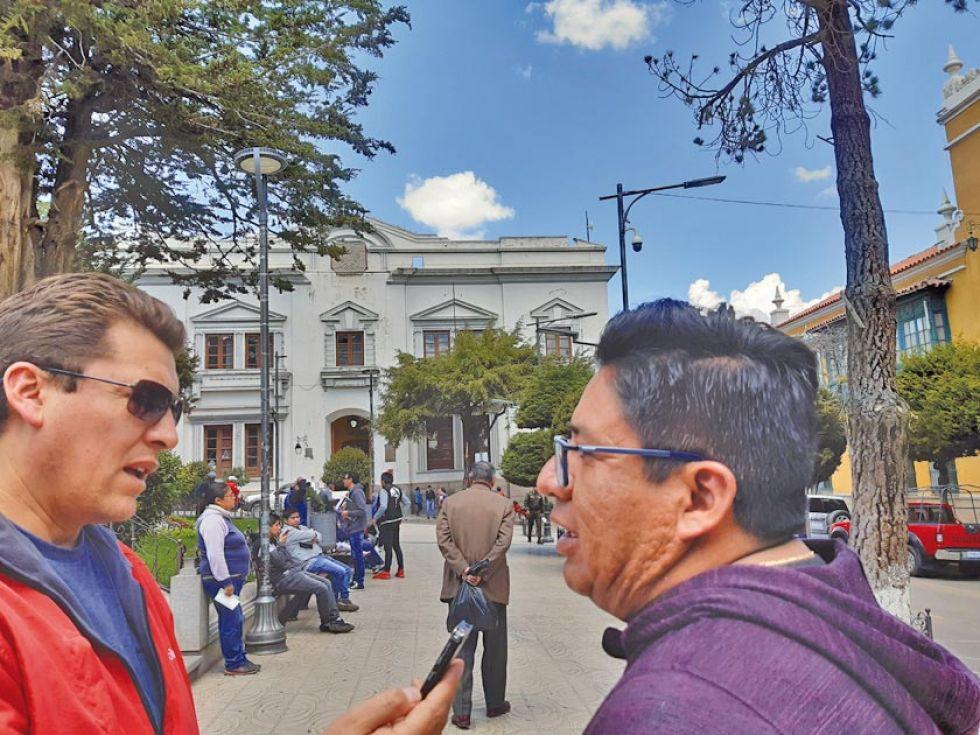 """El alcalde cree  que el paro fue para """"cubrir"""" a un dirigente"""