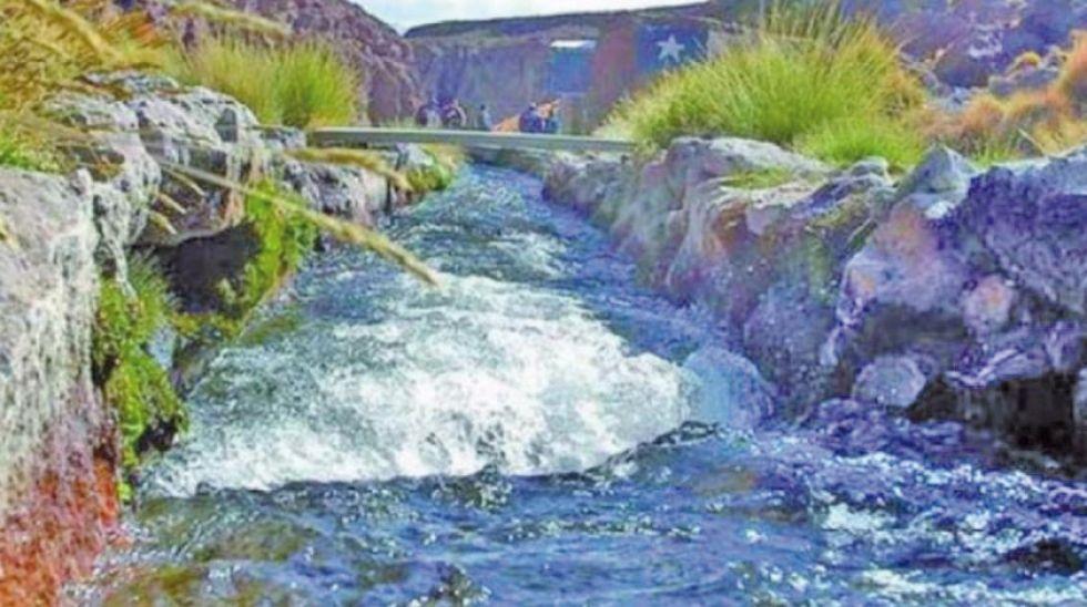 """Chile demandó a Bolivia para que la CIJ declare que elSilala es un """"río internacional"""" y de uso """"equitativo""""."""