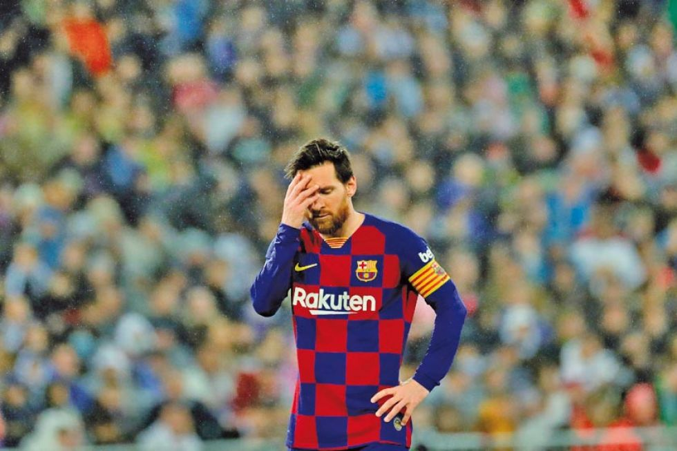 Leo Messi, de Barcelona, lamenta la derrota.