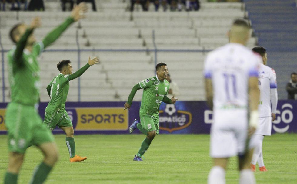 Óscar Salinas (c), convirtió el único gol para los verdolagas.