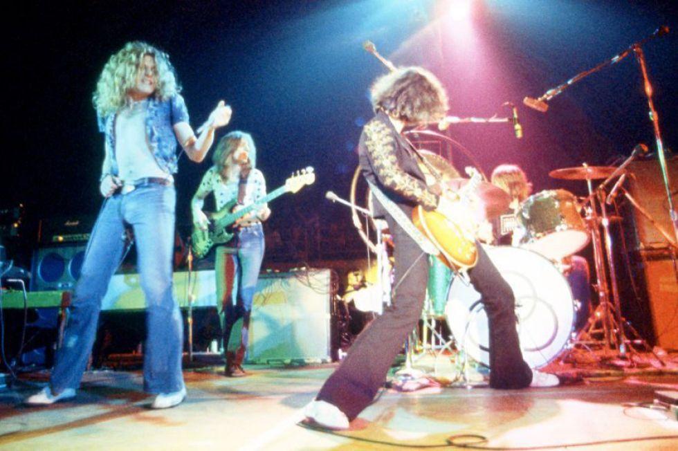 A la banda se le acusó de copiar la introducción del tema.