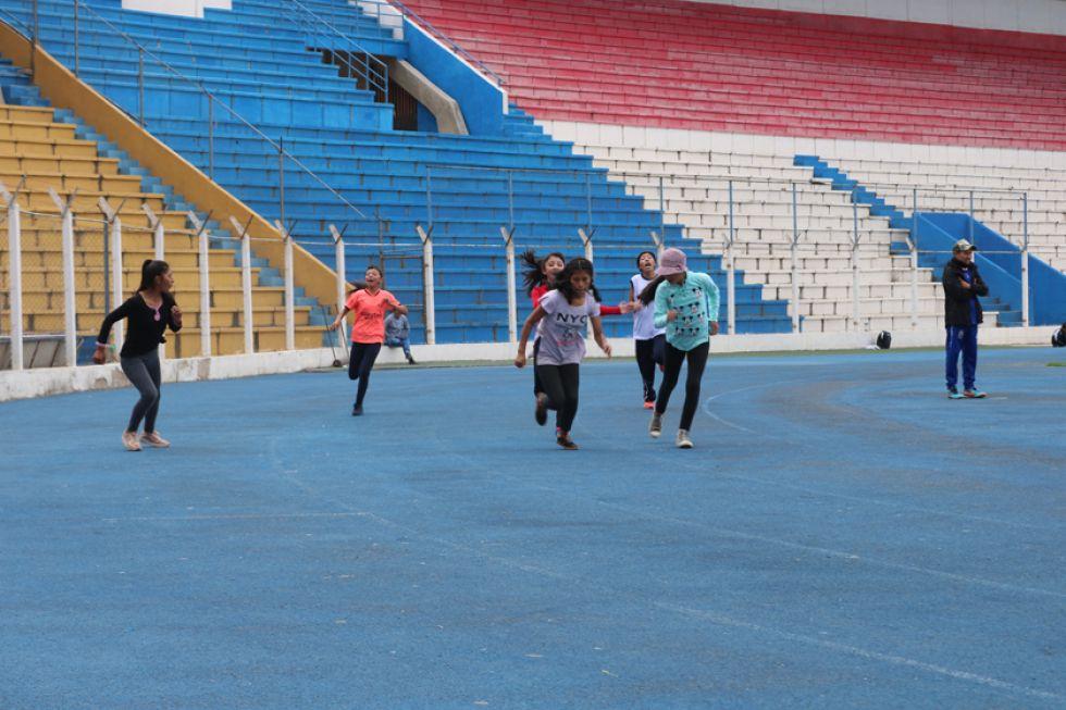 Atletismo posterga sus entrenamientos como medida de precaución