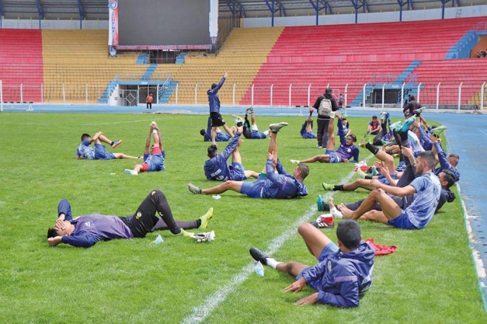 Los jugadores lilas durante un entrenamiento anterior.