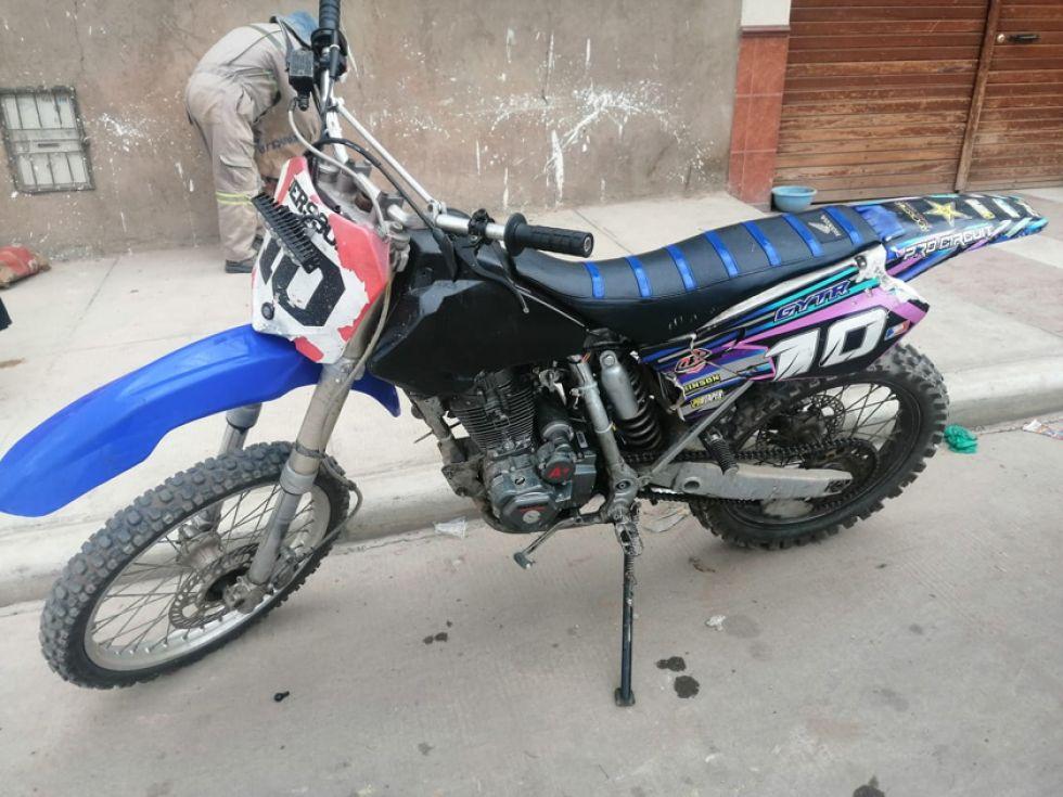 Esta es la motocicleta que abandonó el cómplice de la mujer