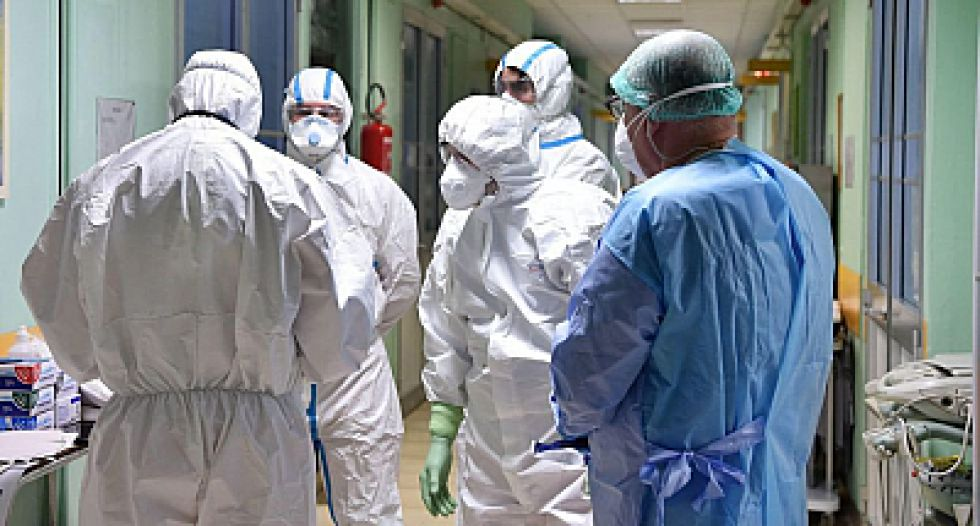 Enfermeras que atendieron a pacientes con Covid-19 sin protección volvieron a trabajar