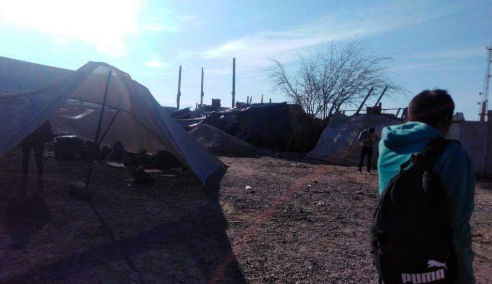 Suspenden repatriación de bolivianos varados en la frontera de Chile
