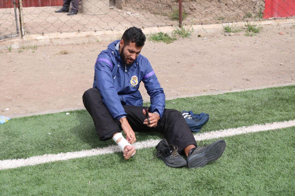 El jugador lila al finalizar una práctica, antes de la suspensión del torneo.
