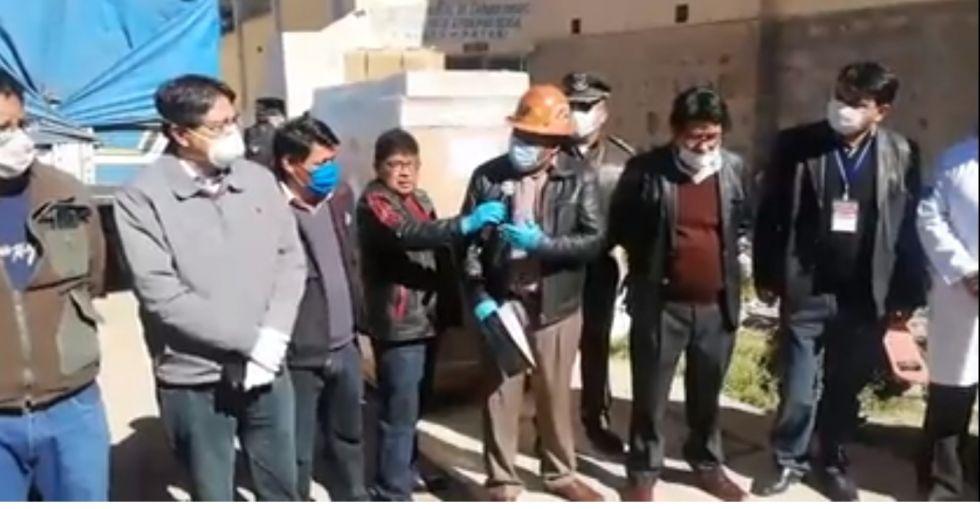 Entregan equipos para laboratorio para Potosí