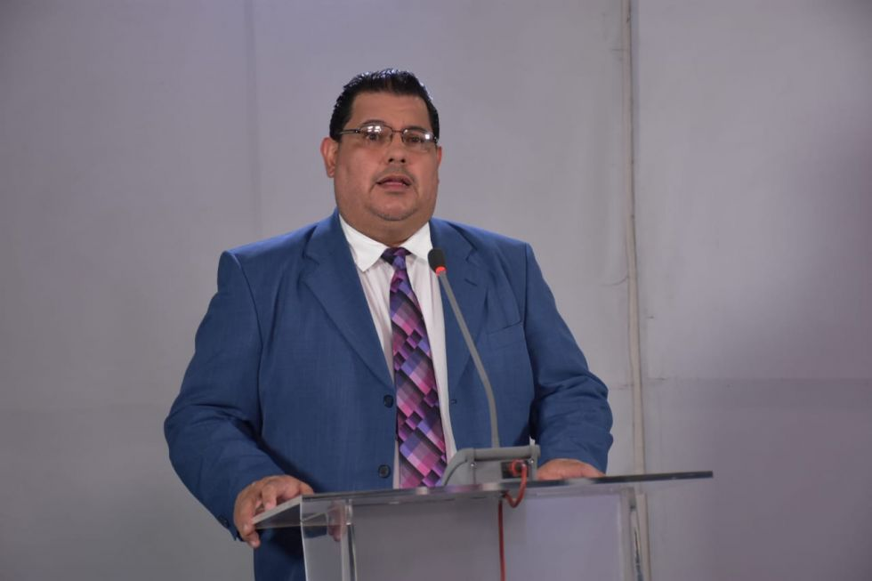 Roberto Vargas.