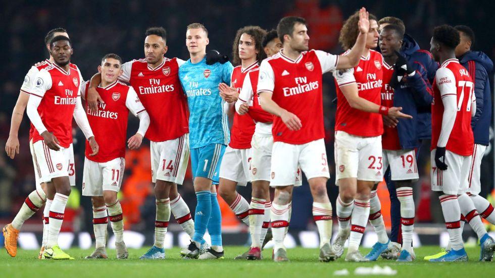 Directiva del Arsenal reduce sus sueldos, pero no toca a los de jugadores
