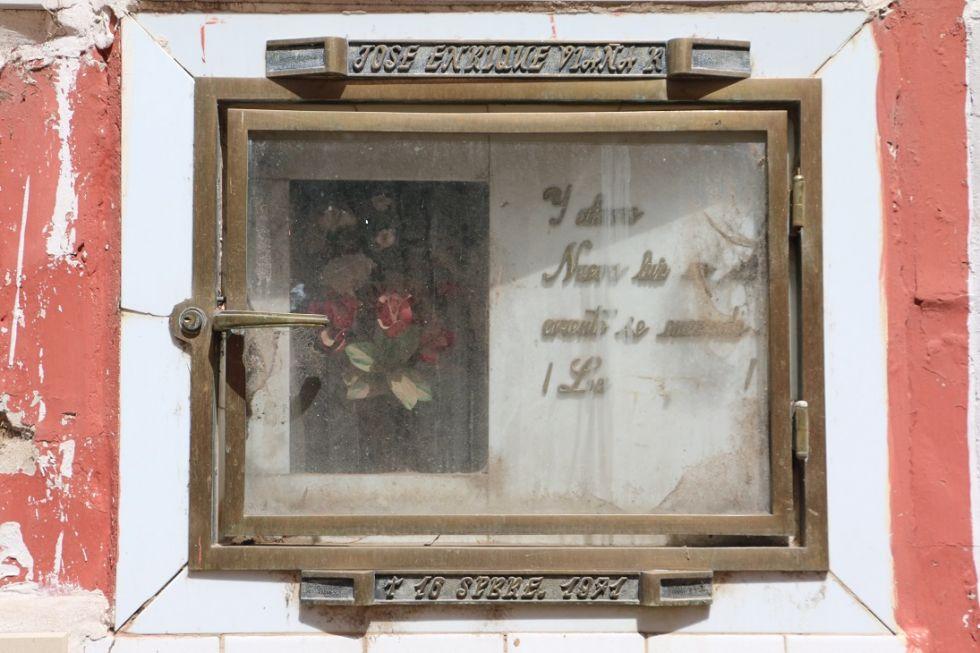 La tumba de Viaña en el cementerio de Potosí.
