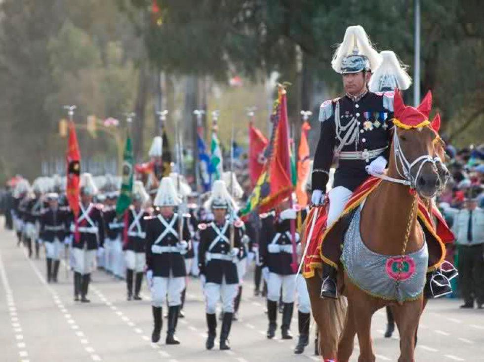 Un desfile de homenaje.