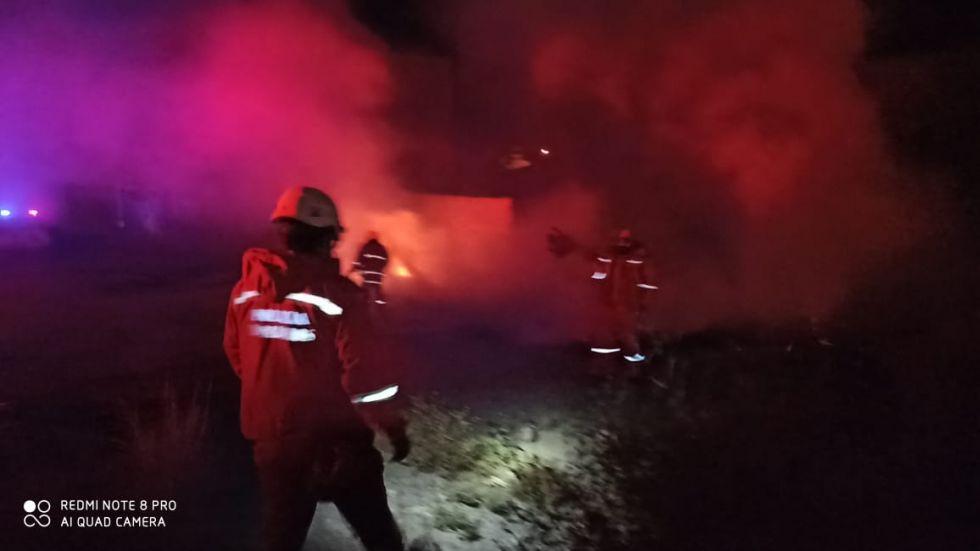 El personal de bomberos acudió al llamado.