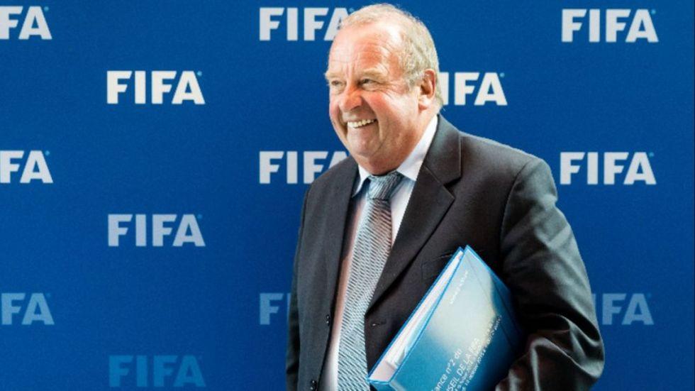 El jefe médico de la FIFA cree que en septiembre regresaría el fútbol