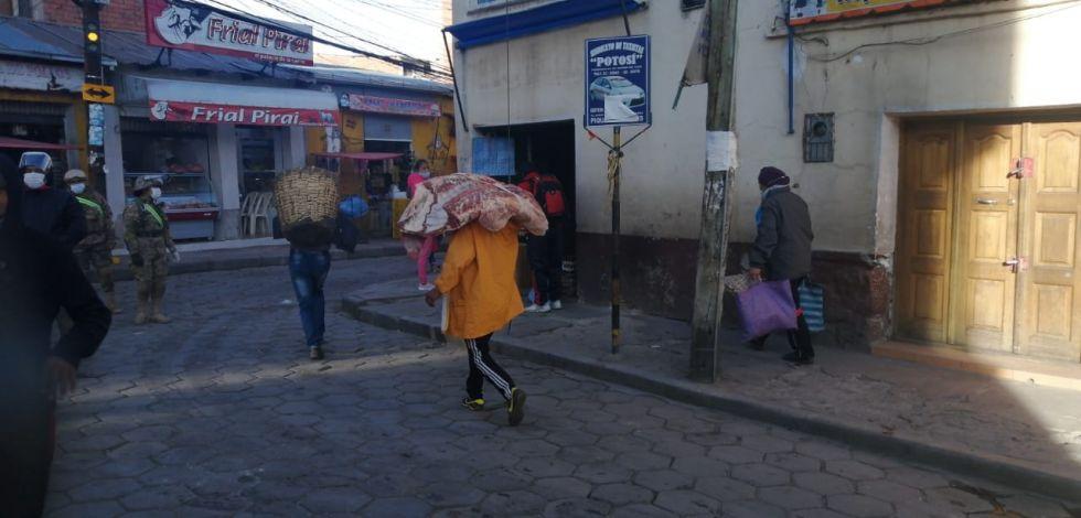 Abastecen del alimento desde tempranas horas de la mañana.