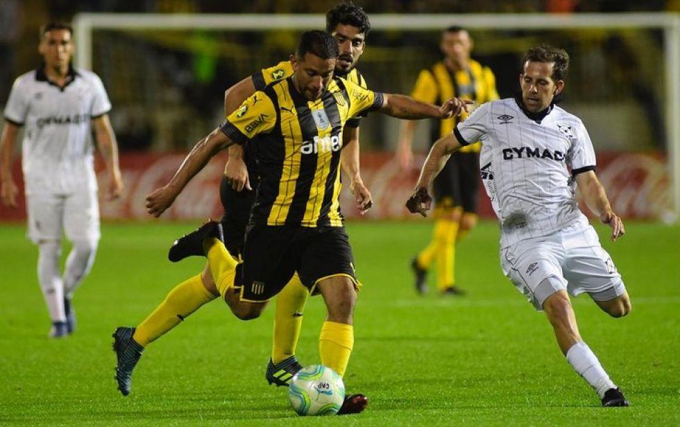 En Uruguay el fútbol volvería en la primera quincena de agosto